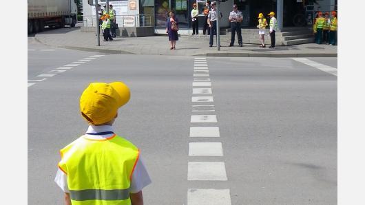 Saugus elgesys eismo aplinkoje