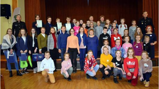 Apdovanoti pilietiškumui ir kariuomenei skirtus žaidimus kūrę mokiniai