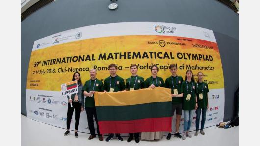 Tarptautinėje matematikos olimpiadoje Rumunijoje iškovoti du bronzos medaliai ir trys pagyrimo raštai