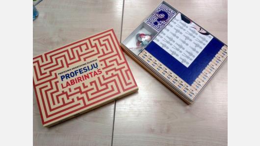 """Metodinės priemonės """"Profesijų labirintas"""" taikymo galimybės ugdymo karjerai veikloje"""