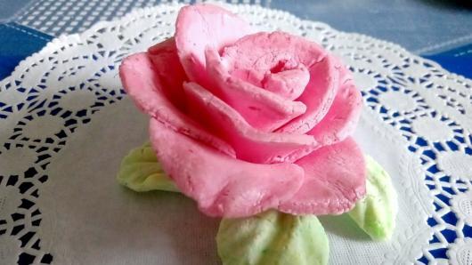 Mamos dienai – cukrinės gėlės