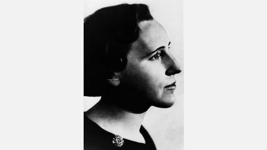 Ieva Simonaitytė ir Mažosios Lietuvos literatūra mokykloje
