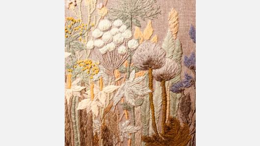 Dažymo natūraliais dažais meistrystės ir įvairių tekstilės technologijų jungtis rankdarbiuose