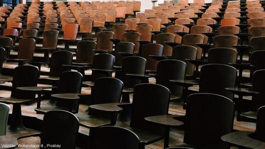 Neakivaizdinės mokyklos skelbia mokinių priėmimą naujiems mokslo metams
